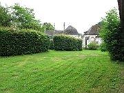 tn_img_7210first-bit-of-garden_1200